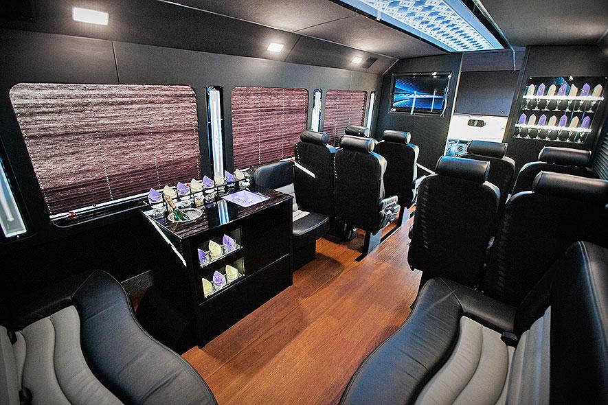 Limousine Amp Party Bus Service Portland Or Aspen Limo Tours