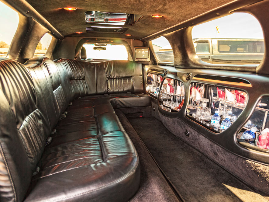 8 Passenger Lincoln Stretch Limousine