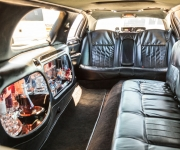 Lincoln-Stretch-Limousine-01