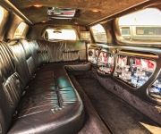 Lincoln-Stretch-Limousine-02