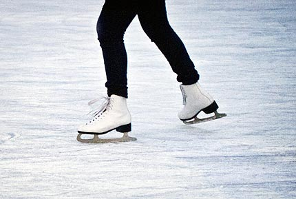 Top 10 Valentines Day Ideas - Ice Skating