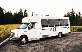 15 Passenger Executive Limo Coach